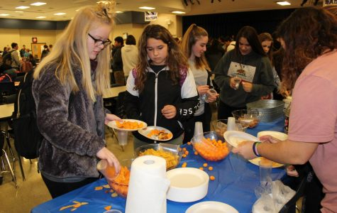 Link Crew Hosts Academic Period Party For Freshmen To Celebrate End Of First Quarter