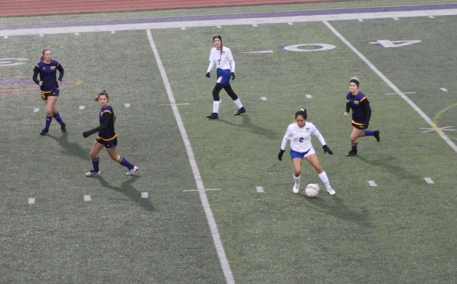Varsity Girls Soccer Aims To Make Playoffs
