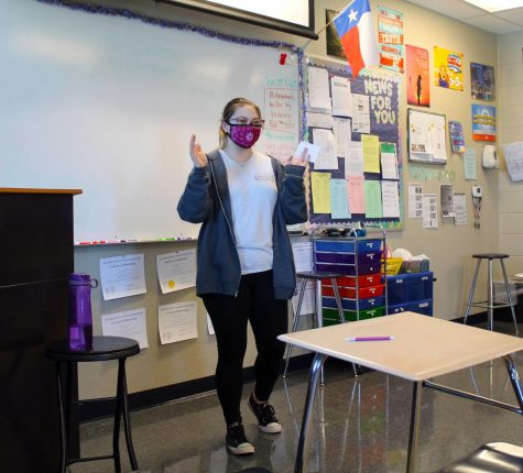Voice of Democracy competitor Lulu Lopez practices extempt speech in debate class Oct. 7.