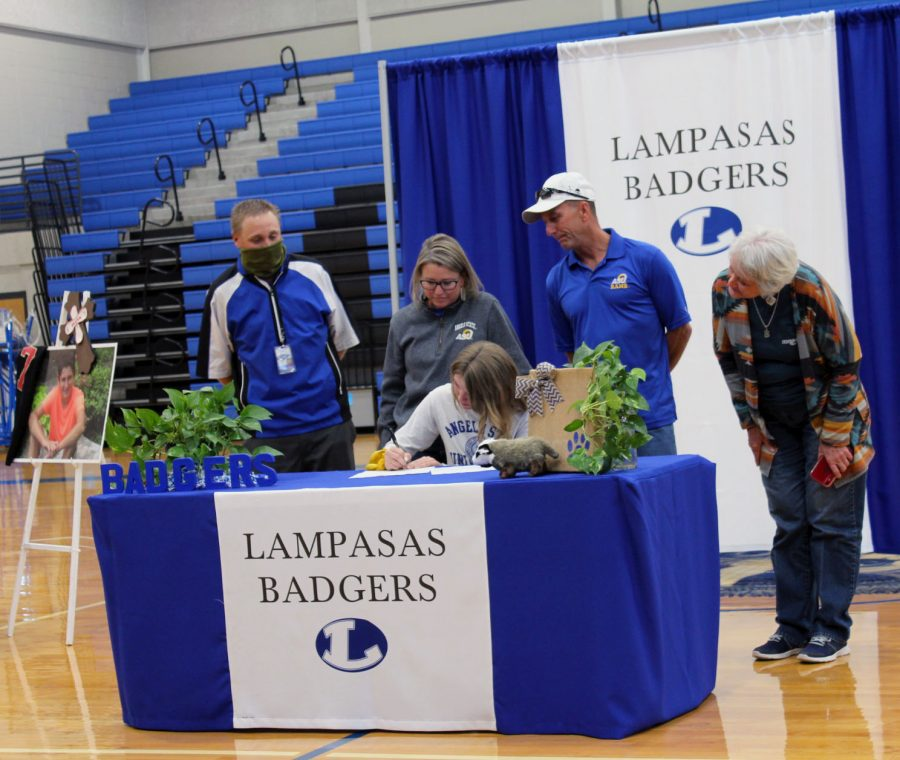 Senior Parker signs her National Letter of Intent to play golf at San Angelo State University Nov. 16.